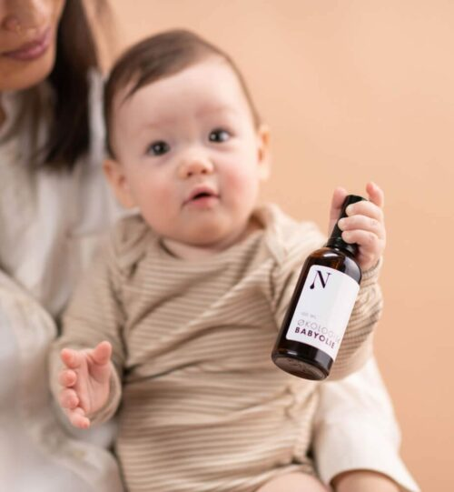 babyolie med baby