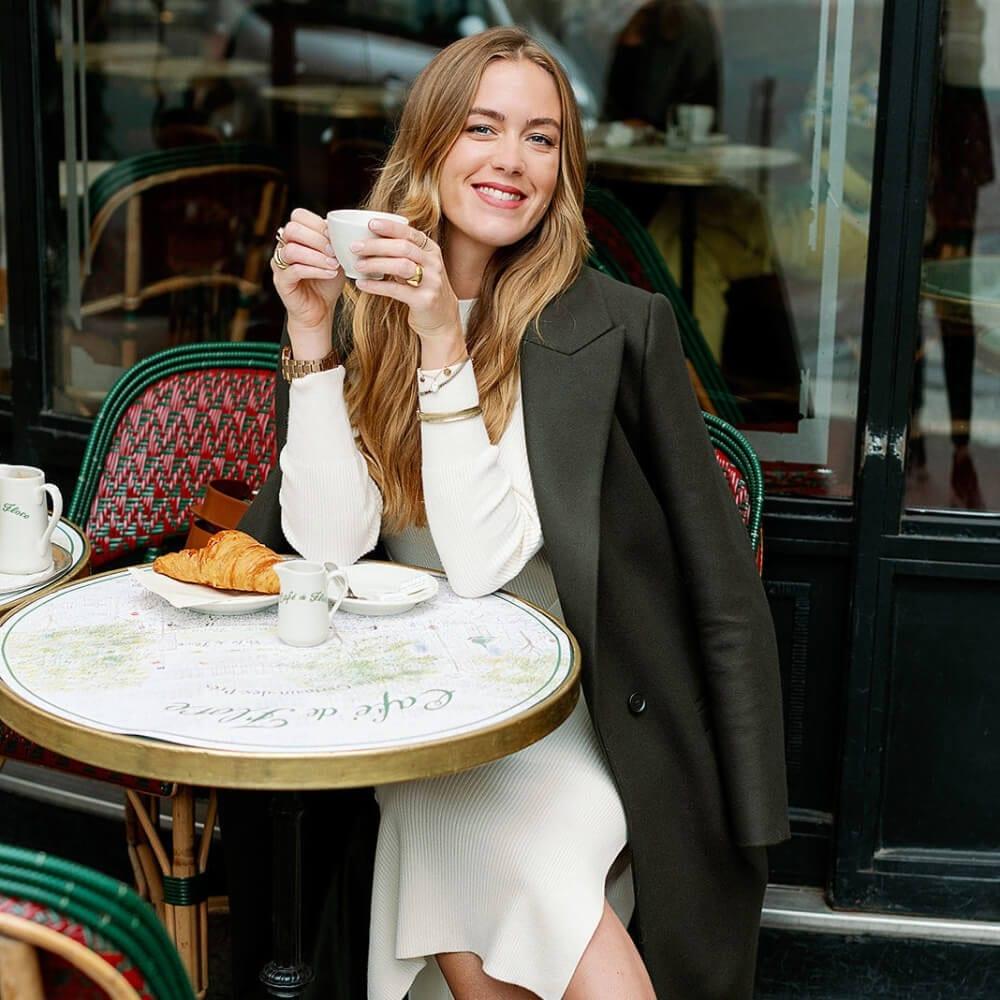 Trine Juel med kaffe